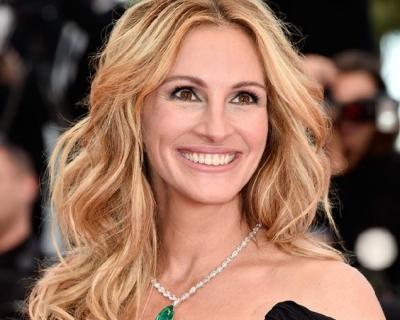 Джулию Робертс назвали самой красивой женщиной в мире-430x480