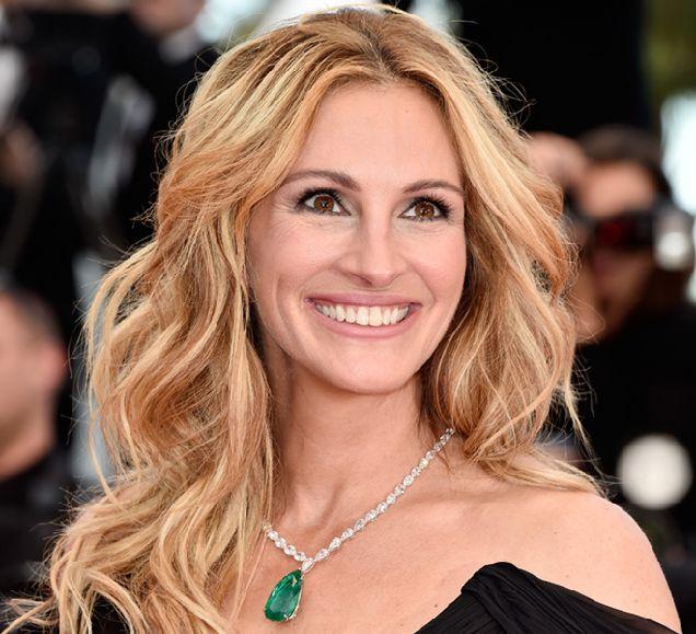 Джулию Робертс назвали самой красивой женщиной в мире-320x180