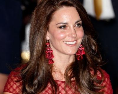 Образ дня: Кейт Миддлтон в платье Marchesa Notte-430x480