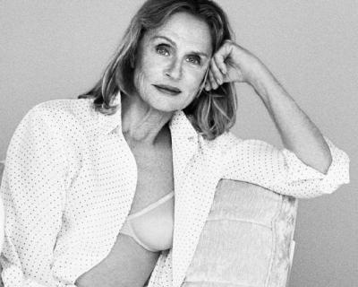 73-летняя Лорен Хаттон в кампейне белья Calvin Klein-430x480