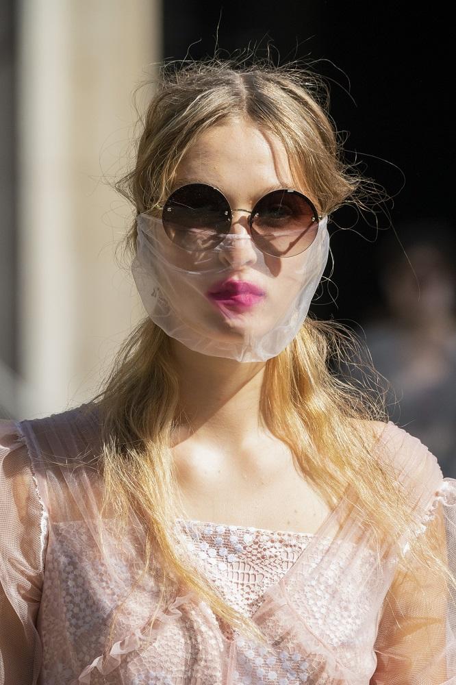 С широко закрытыми глазами: Как правильно выбирать солнцезащитные очки-Фото 7