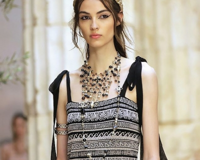 Античные богини: круизная коллекция Chanel-430x480