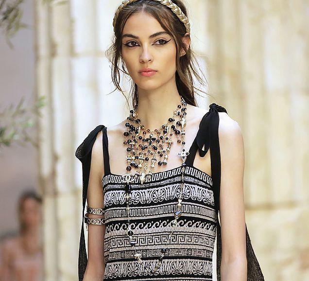 Античные богини: круизная коллекция Chanel-320x180