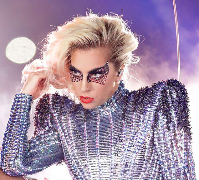 Леди Гага выпустила собственные эмодзи-320x180