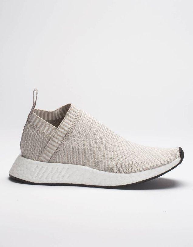 Новые кроссовки adidas Originals в форме носка-320x180