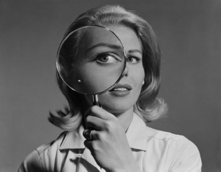Нужно ли шпионить в Сети за возлюбленными?