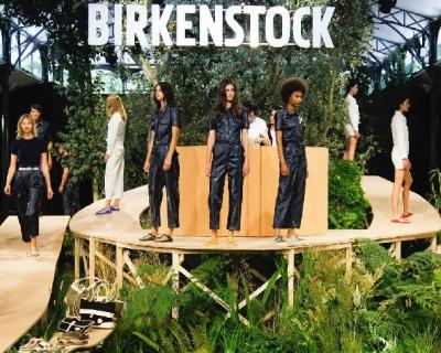 Birkenstock устроил показ впервые за 243 года-430x480