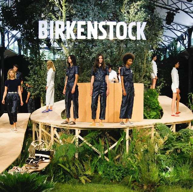 Birkenstock устроил показ впервые за 243 года-320x180