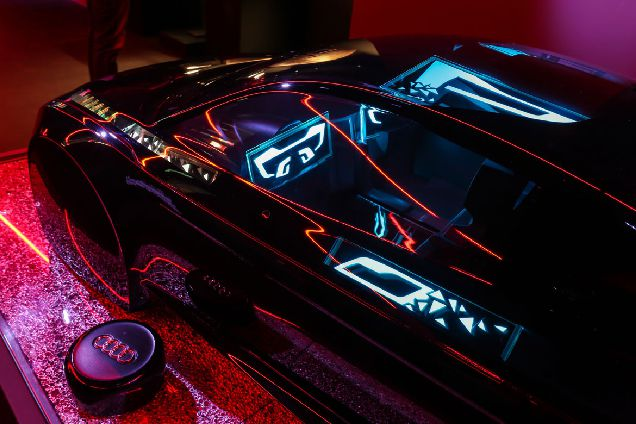 Audi открывает центр искусственного интеллекта-320x180