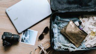 Чемоданное настроение: 5 вещей, которые стоит взять с собой в путешествие-320x180