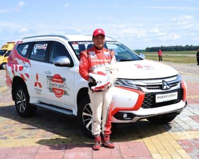 Внедорожный тест-драйв с японским гонщиком Хироши Масуока-430x480
