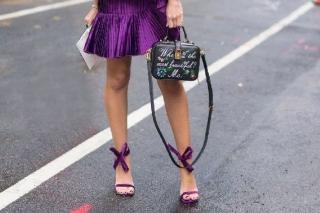 Точное попадание: как правильно подобрать обувь к платью