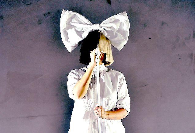 10 песен, которые Sia написала для других артистов-320x180
