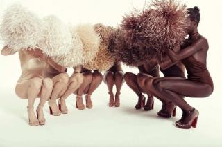 Кристиан Лубутен создал коллекцию босоножек под цвет кожи