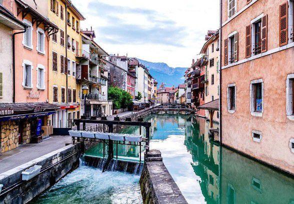 10 маленьких городов Европы, которые стоит посетить-320x180