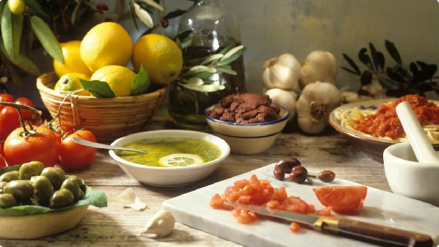Средиземноморская диета: что это и с чем его едят-320x180
