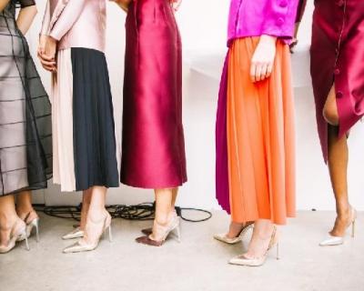 Ниже колена: платья-миди, которые не захочется снимать-430x480
