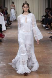 Зачем вам кружевное платье невесты