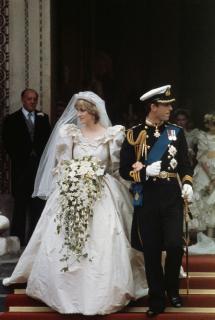 7 самых легендарных свадебных платьев в истории