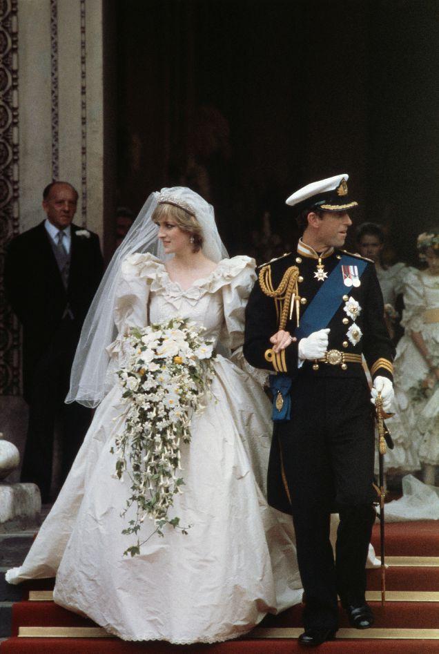 7 самых легендарных свадебных платьев в истории-320x180