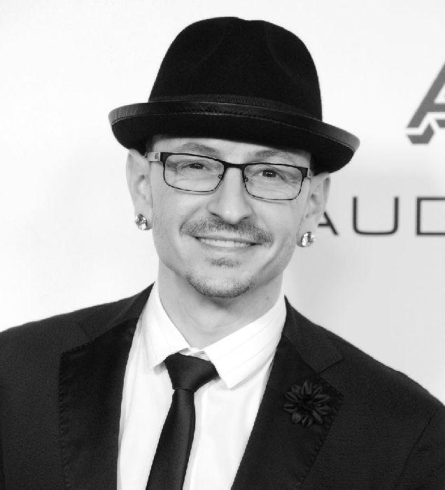 Вокалист группы Linkin Park покончил с собой-320x180