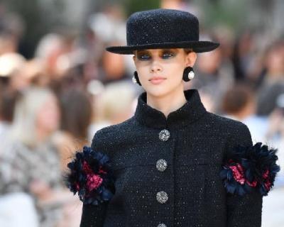 Разноцветный макияж, как на показе Chanel Haute Couture-430x480