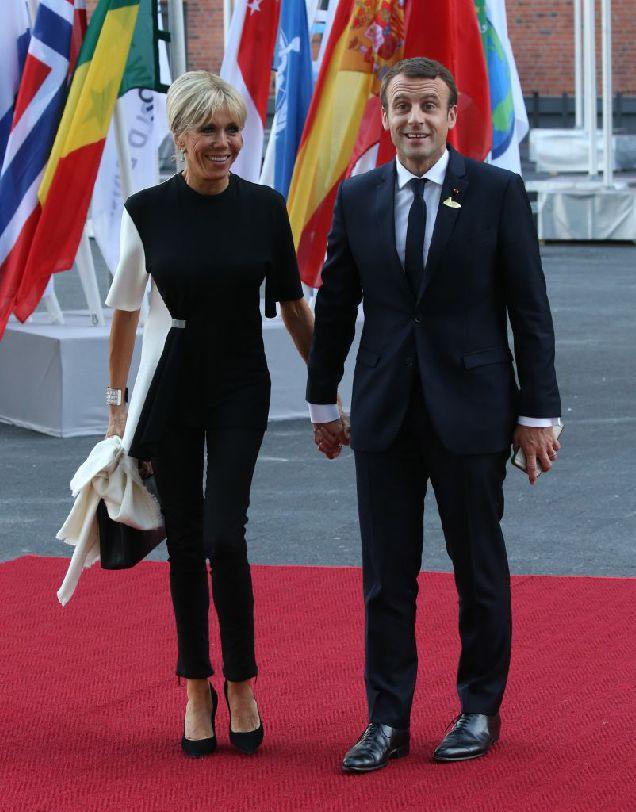 Битва образов: Мелания Трамп и Бриджит Макрон на саммите G20-320x180