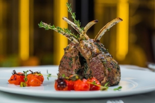 Как устроена кухня ресторана в отеле Hilton Kyiv