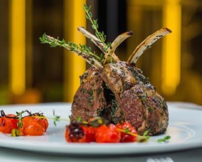 Как устроена кухня ресторана в отеле Hilton Kyiv-430x480