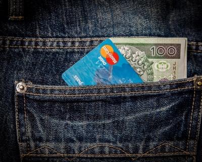 Сколько денег брать в Европу: финансовые требования ЕС к украинцам-430x480