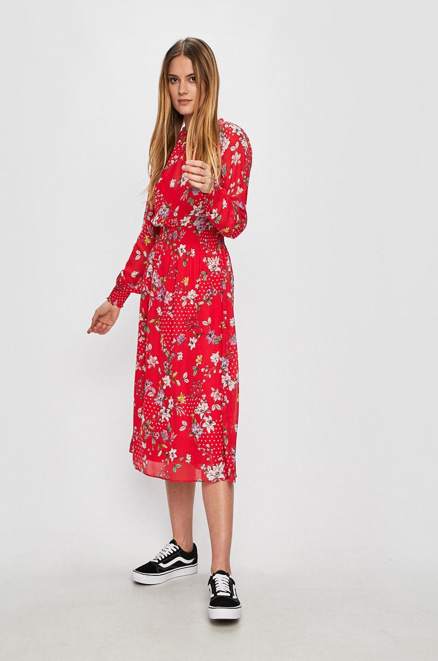 Ниже колена: платья-миди, которые не захочется снимать-Фото 3