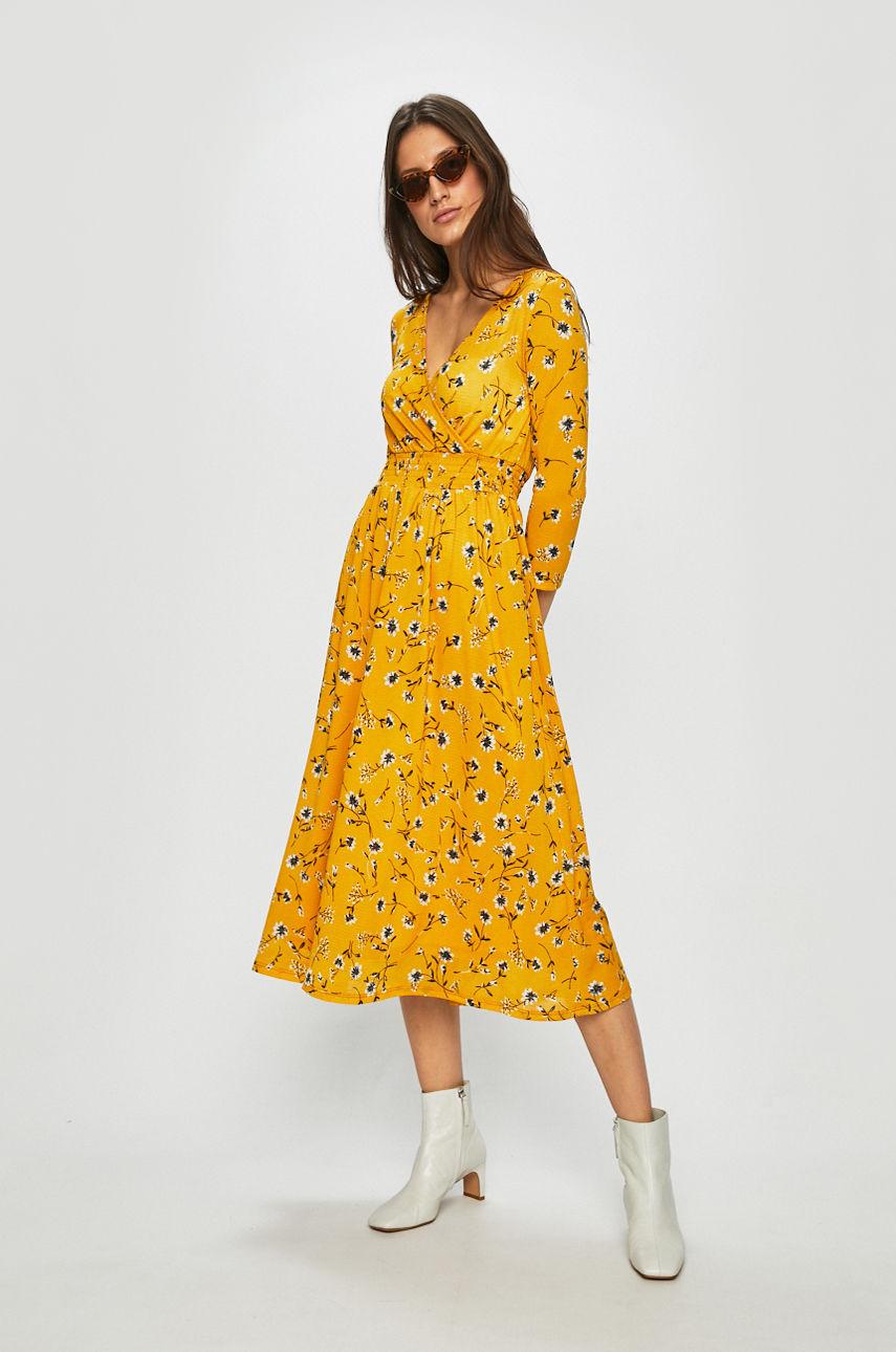 Ниже колена: платья-миди, которые не захочется снимать-Фото 4