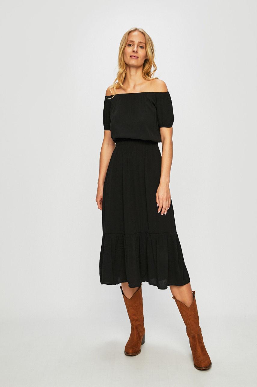 Ниже колена: платья-миди, которые не захочется снимать-Фото 9