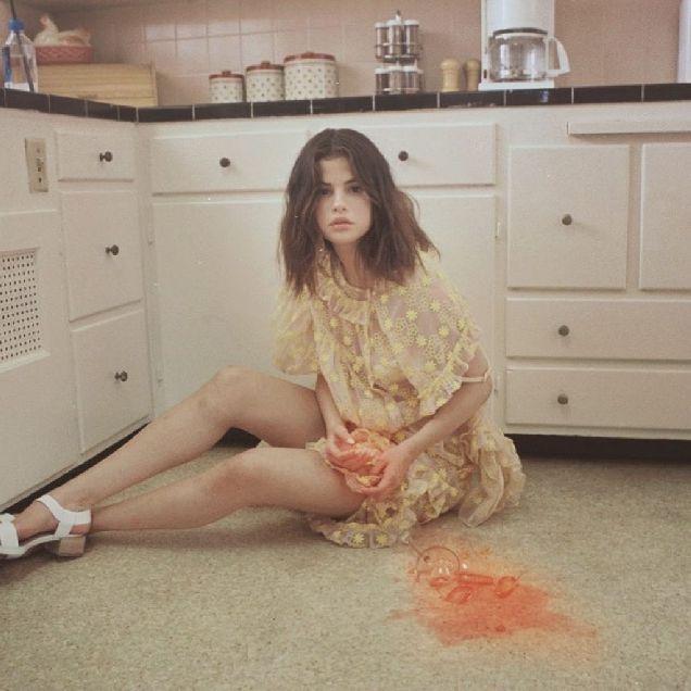 Селена Гомес выпустила второй клип на песню Fetish-320x180