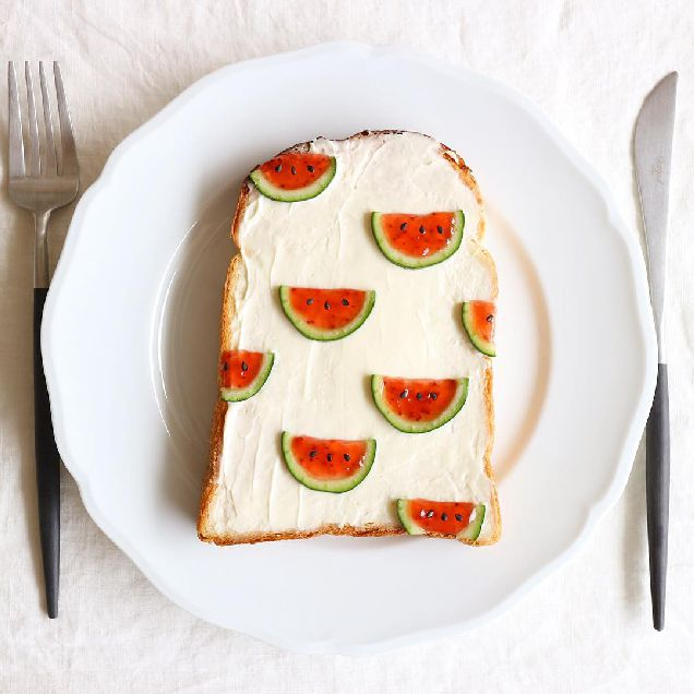 Забавный Instagram: японка создает самые милые тосты в мире-320x180