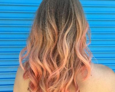 Самый актуальный цвет волос лета – розовое шампанское-430x480