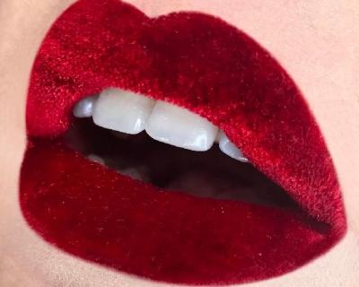 Beauty-тренд: бархат на губах-430x480