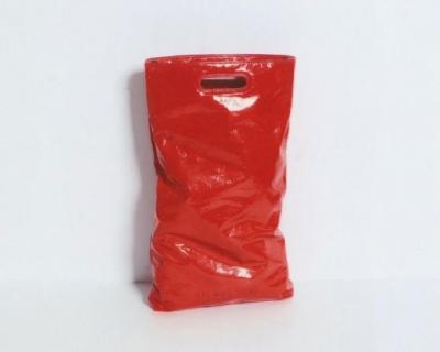 Странный товар: Helmut Lang выпустил сумку в виде мусорного пакета-430x480