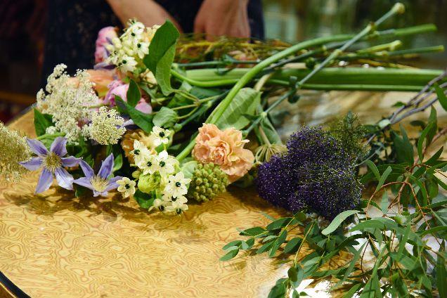 Как собрать букет цветов своими руками-320x180