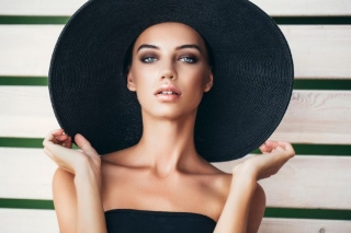 Арт-директор по макияжу Bobbi Brown рассказал о самых жарких трендах этого лета