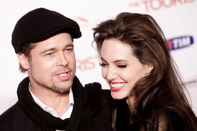 Брэд Питт и Анджелина Джоли передумали разводиться-320x180