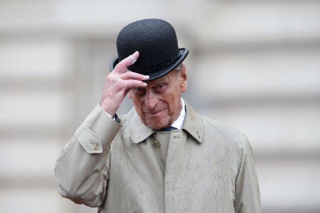 Принц Филипп уходит на пенсию-320x180