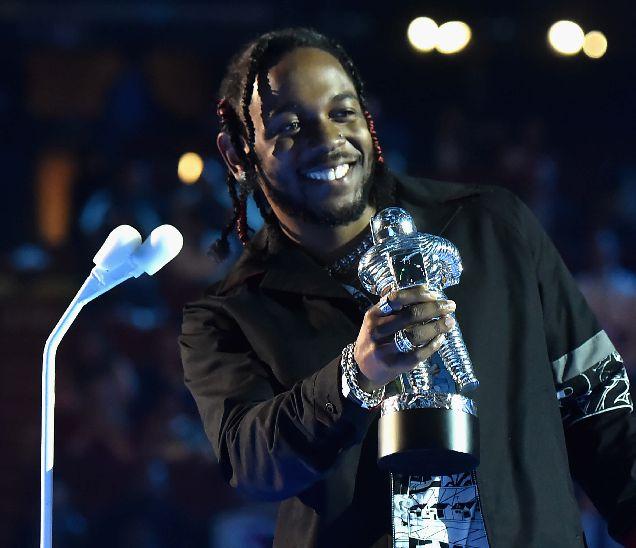 Стали известны победители MTV Video Music Awards 2017-320x180