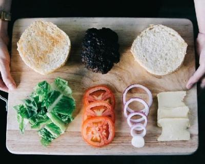 Овощная тарелка как альтернативная закуска-430x480