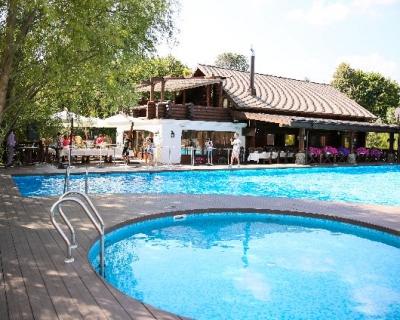 Новое место:  бассейн в 15 км от Крещатика-430x480