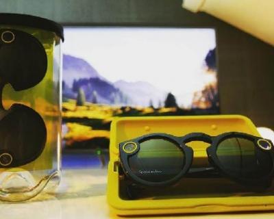 Сквозь линзы: 3 интересных факта о smart-очках-430x480