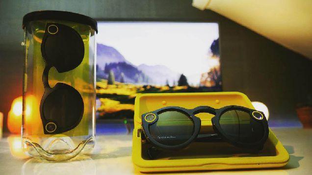 Сквозь линзы: 3 интересных факта о smart-очках-320x180