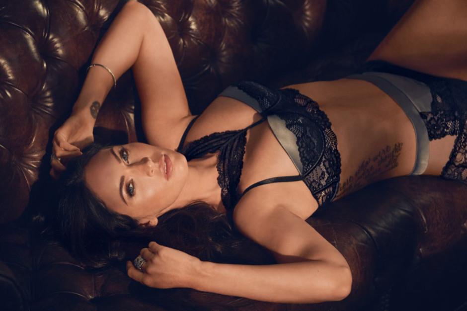 Фото дня: 31-летняя Меган Фокс в рекламной кампании нижнего белья-Фото 1