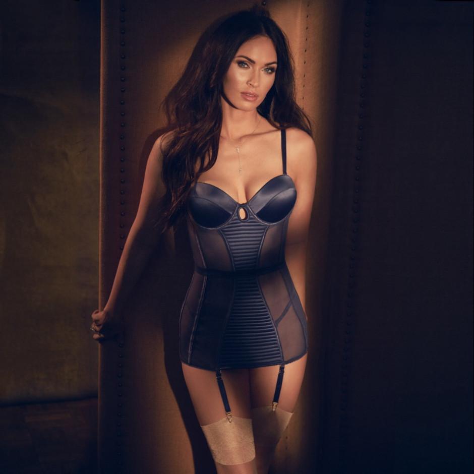Фото дня: 31-летняя Меган Фокс в рекламной кампании нижнего белья-Фото 2