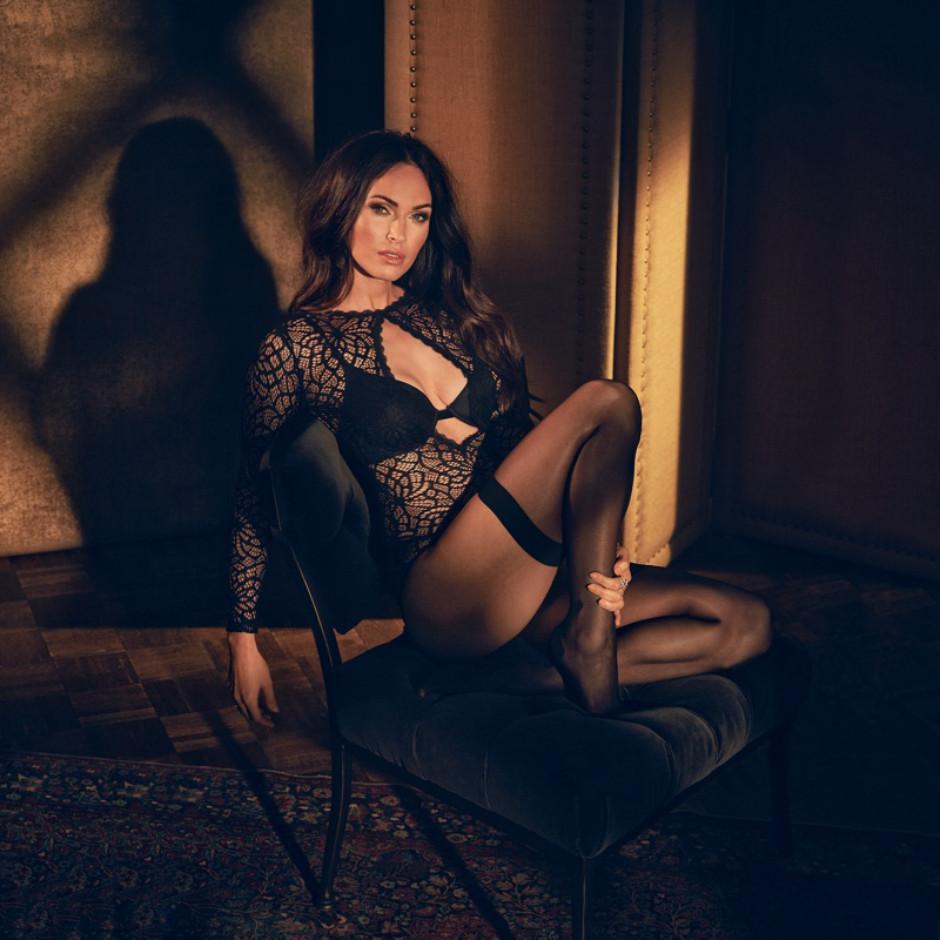 Фото дня: 31-летняя Меган Фокс в рекламной кампании нижнего белья-Фото 3